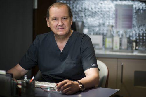 Dr n. med. Mirosław Szlachcic rozpoczyna działalność w pierwszej klinice in vitro Macierzyństwo w Małopolsce.