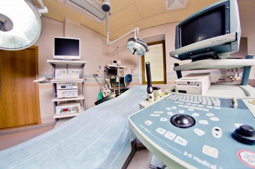 Pozyskujemy środkowy lokal i łączymy wszystkie trzy w jeden duży, o podwyższonym standardzie lokal Ośrodka Medycznego Osteomed